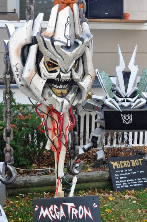 Megatron and Microbot are on display too. (Photo by Shelley M. Shockley)